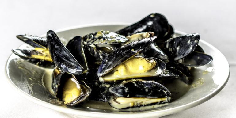 North Atlantic Mussels à la Normande